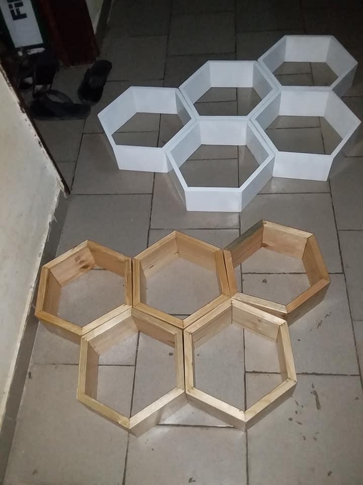 Étagères hexagones (nid d'abeille)