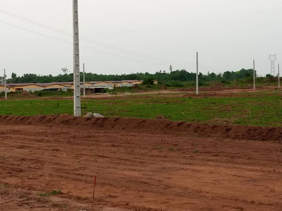 Terrains à vendre à bingerville derrière le palais de justice